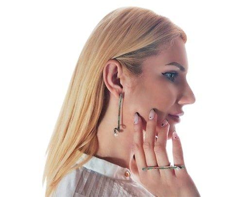 Μεγάλα εντυπωσιακά σκουλαρίκια καρφωτά με μαργαριτάρια – 3962